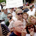 Photo by BETTINA HANSEN, Hartford Courant, August 5, 2009